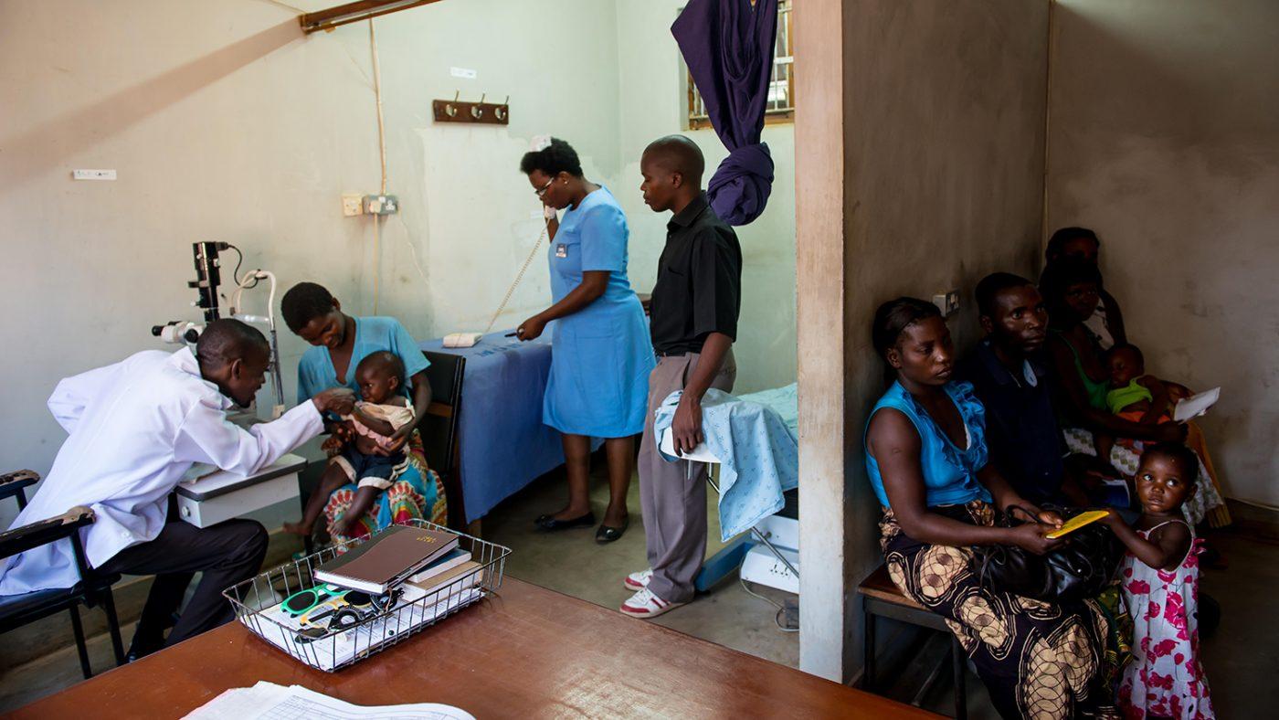 Patienter som väntar på att få träffa Madalitso Nyangulu.