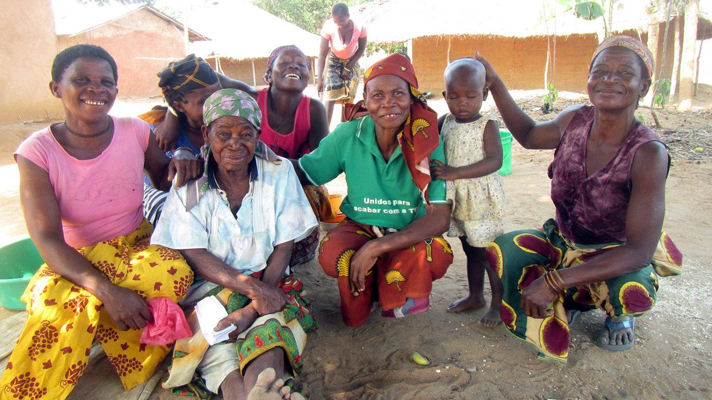 Mayassa Abudo smiles with her family.