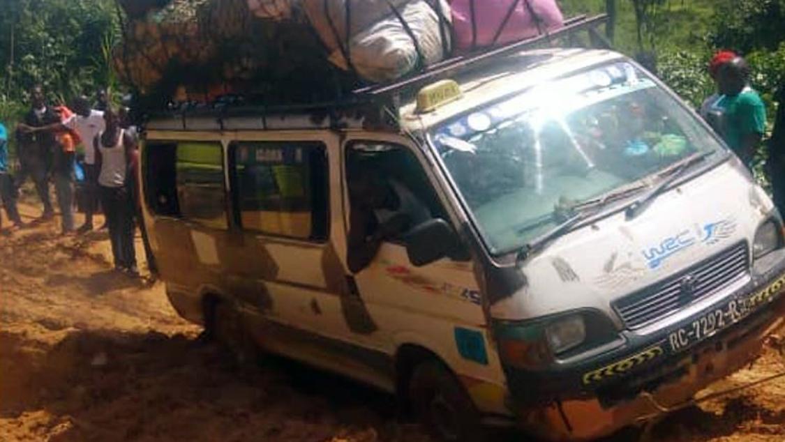Sjukvårdspersonalen fick en lång och tuff resa till regionen N'Zerekore i Guinea.