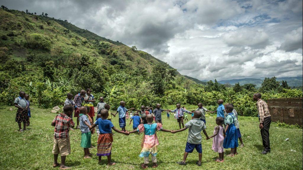 Skolbarn i Uganda.